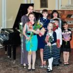 Концерт класса преп. Ожередовой К.А. в зале городской библиотеки.